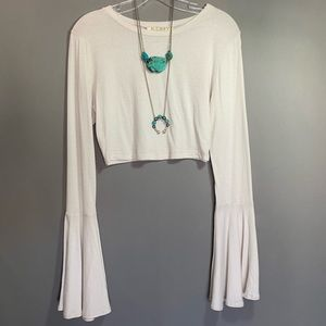 Aundrey 3+1 Cropped bell sleeves top size M